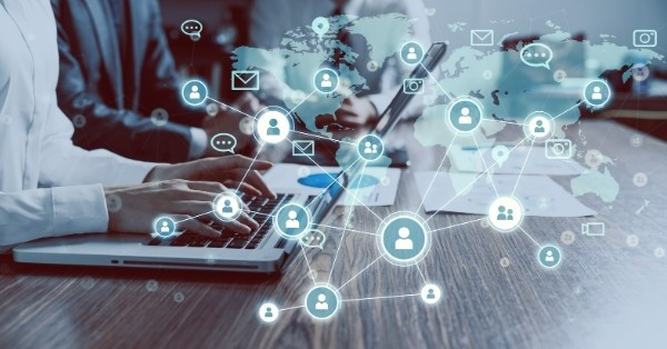 שיתוף ברשתות חברתיות