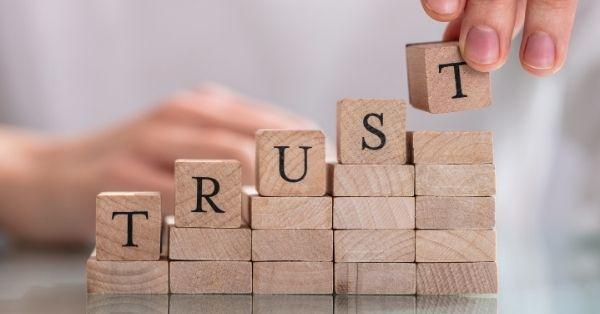 בניית אמון וסמכות לאתר